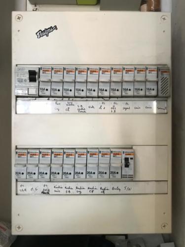 Installation de panneau électrique à Créteil